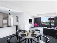 2 Bedroom 2 Bathroom Apartment - Mantra Southbank Melbourne